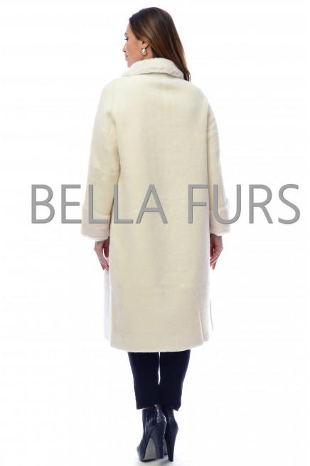 Пальто из эко меха