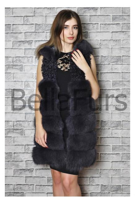 Жилет утепленный женский с капюшоном