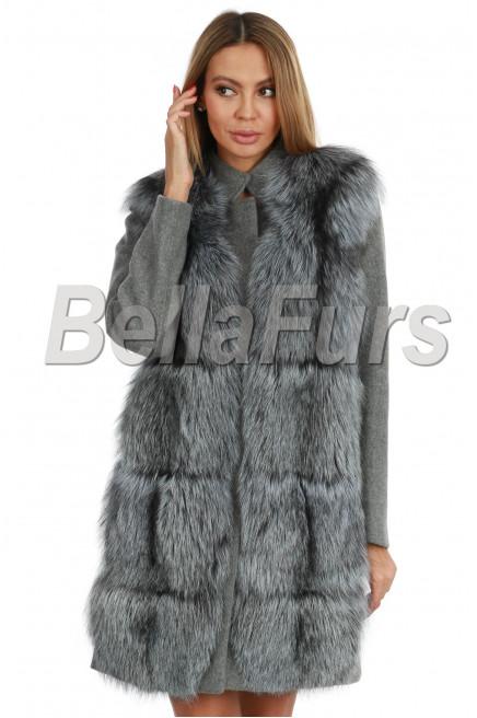 Демисезонное пальто с чернобуркой