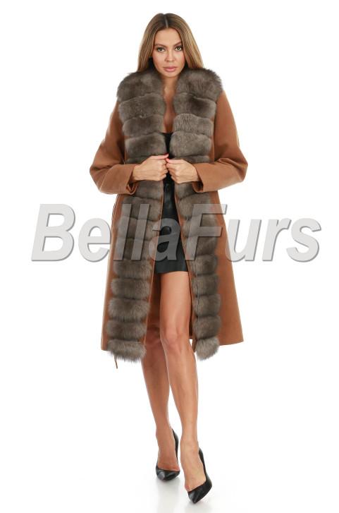 Стильное кашемировое пальто с песцом