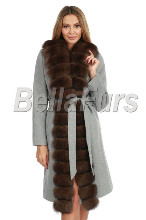 Кашемировое пальто с песцом