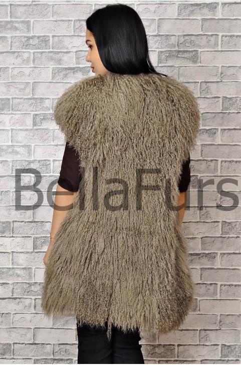 Жилет из ламы стильный