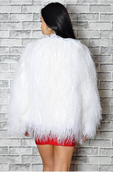 Шубка из ламы белая