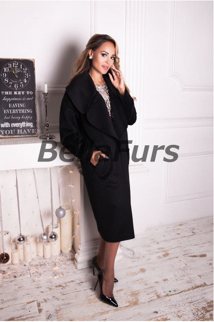 Чёрное шерстяное пальто