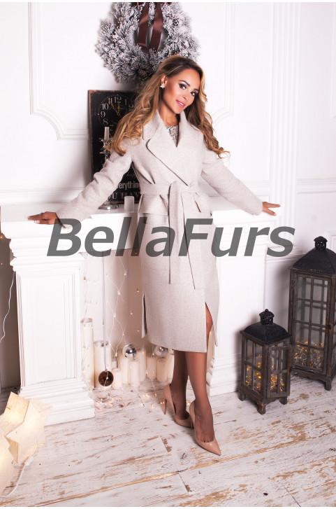 Стильное пальто из шерсти светлое