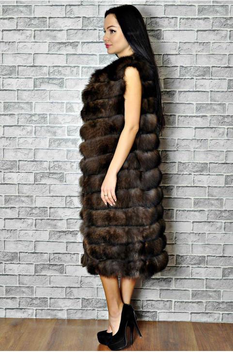 Длинная меховая жилетка женская