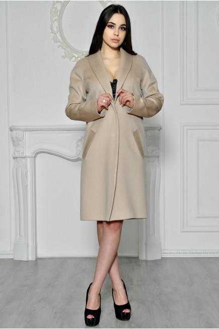 Зимнее пальто без мехового воротника