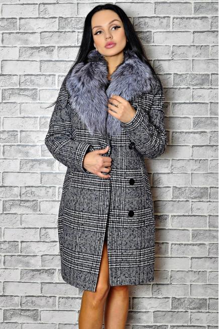 Зимнее пальто в клетку с мехом