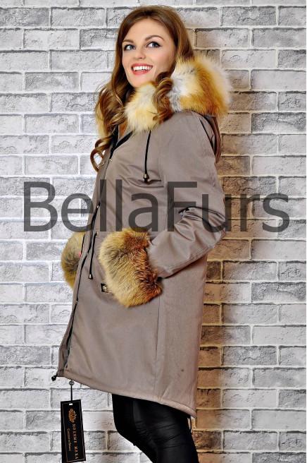 Зимнее белое пальто с мехом