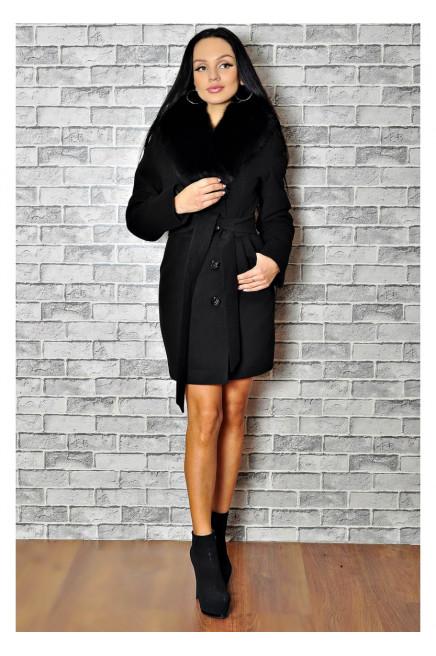 Зимнее черное пальто с меховым воротником