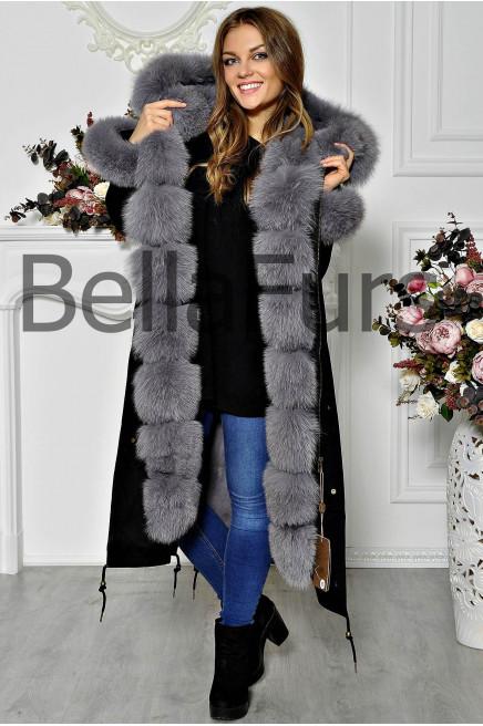 Дорогое зимнее пальто с меховым воротником