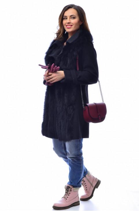 Итальянское пальто из шерсти с мехом лисы